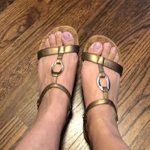 Vionic Strappy sandals size 37